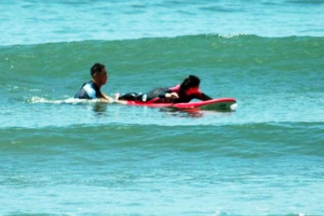 銚子でサーフィン